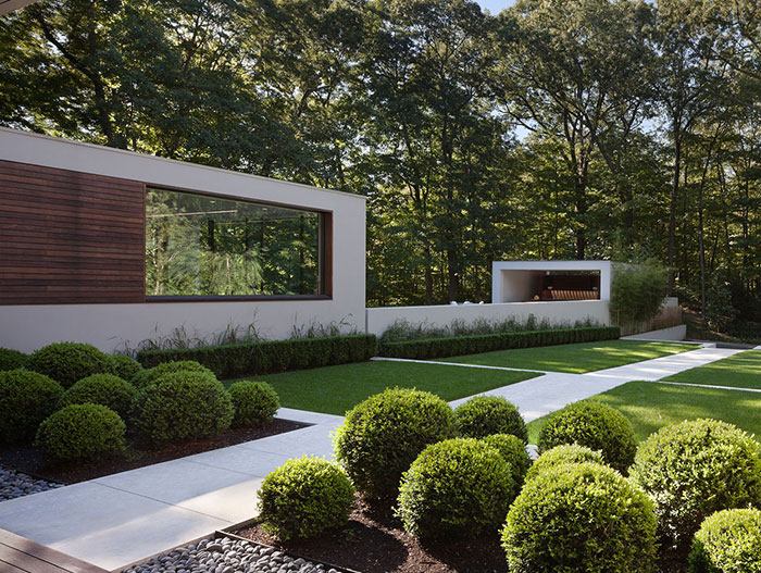 Stunning House With Spectacular Landscape Design