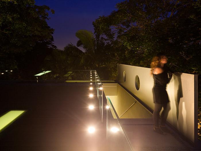 Tetris House -  Modern Brazilian home for entertaining