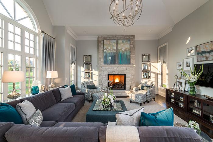 Traditional Home Design - Living Room