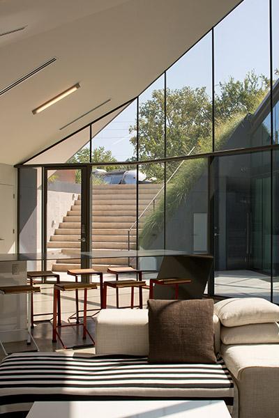 Unique Sustainable Futuristic House With Modern Interior