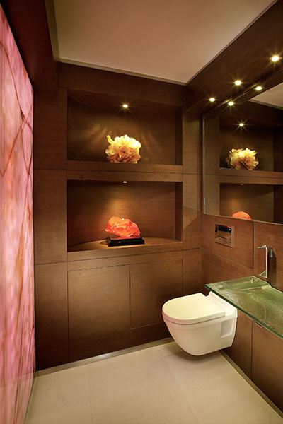 Akoya penthouse modern and inviting bathroom by Pepe Calderin Design