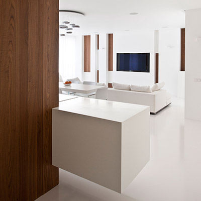 All white minimalist interior in Welton Park apartment, Moscow