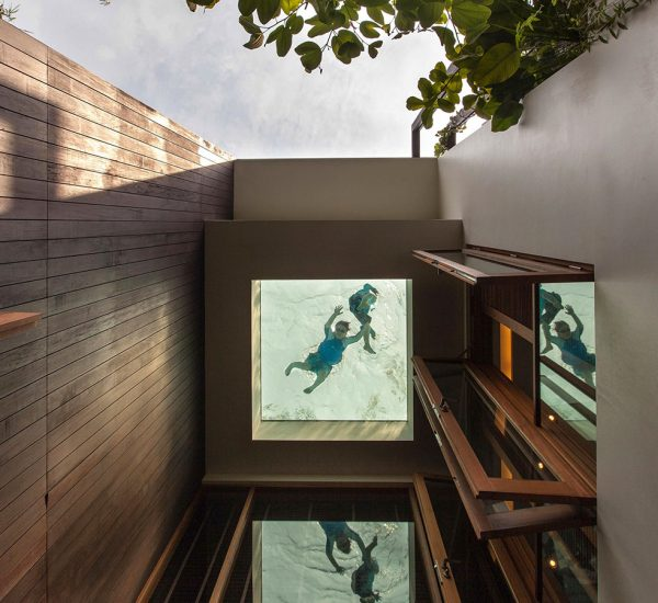 Amazing garden villa in Singapore by Aamer Architects