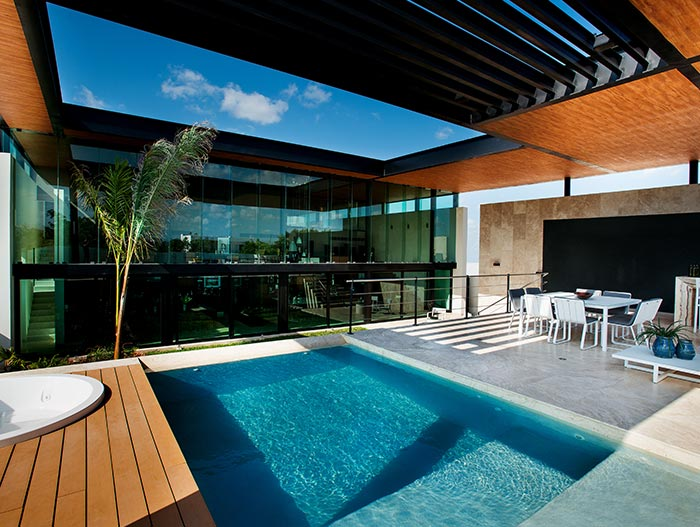 Amazing house with impressive pool in Yucatan, Mexico: MH House by Seijo Peon Arquitectos y Asociados