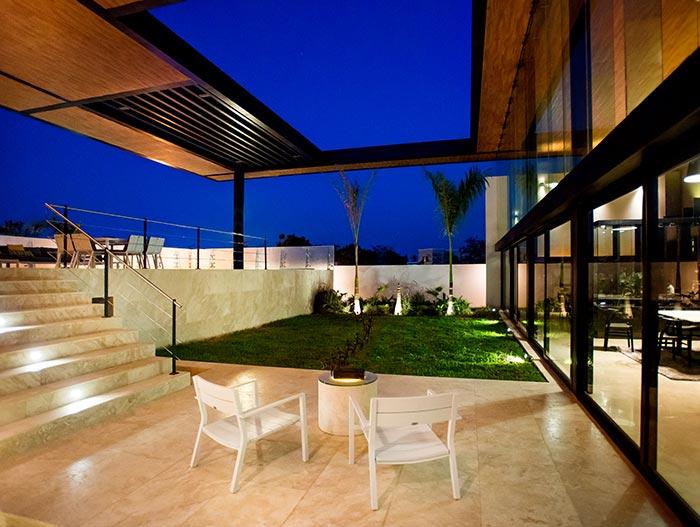 Amazing mexican house by Seijo Peon Arquitectos y Asociados