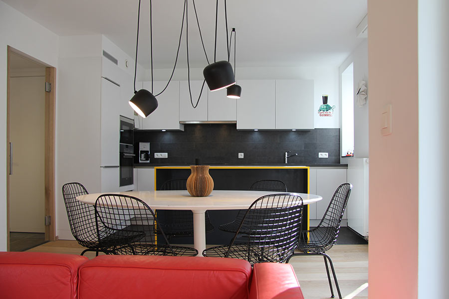 Apartment in Brussels, Belgium by AIMJ with plenty of storage space