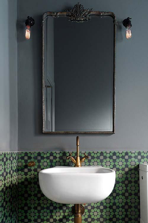 Two-storey addition in Australia - bathroom design idea