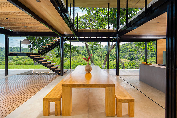 Beautiful interior design idea of an eco-friendly house in Costa Rica with breathtaking views of the ocean and jungle - by Benjamin Garcia Saxe