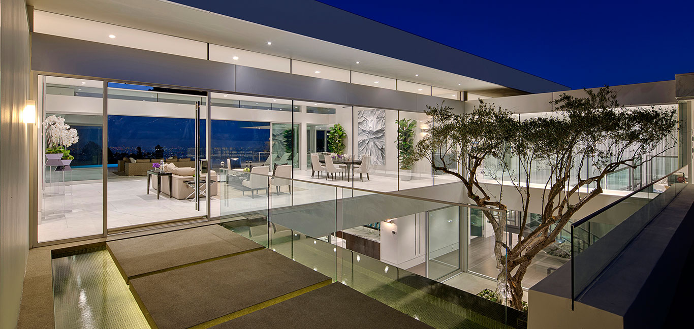 Carla Ridge residence, Beverly Hills mega mansion with amazing views of Los Angeles by McClean Design