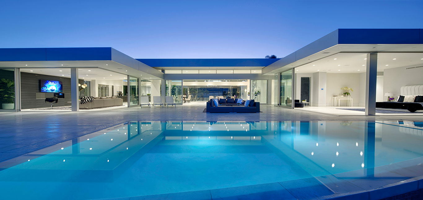 Carla Ridge residence, Beverly Hills mega mansion with amazing views of Los Angeles and gorgeous swimming pool