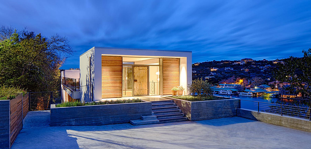 Bold modern entrance to cliff dwelling in Austin, Texas