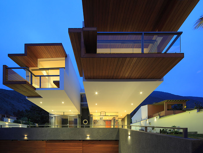 Casa Para Siempre: breathtaking house for young couple by Longhi Architects