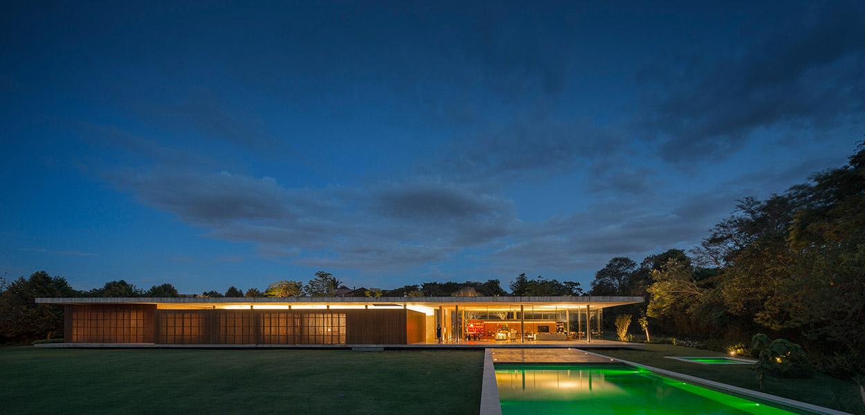 Casa Redux: a great vacation house near Sao Paulo, Brazil by Studio MK27
