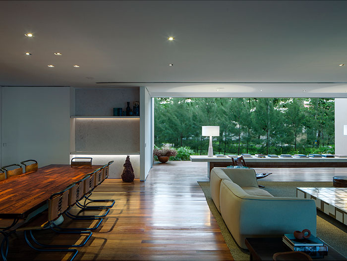 Breathtaking beach house for a lavish indoor-outdoor lifestyle in Brazil