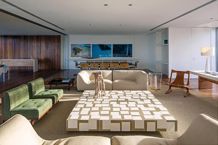 Modern living room design in breathtaking beach house in Northeastern Brazil
