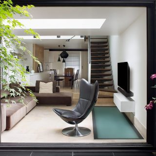 Battersea Church Road by extrArchitecture: Classic 1800s brick cottage in London gets modern makeover