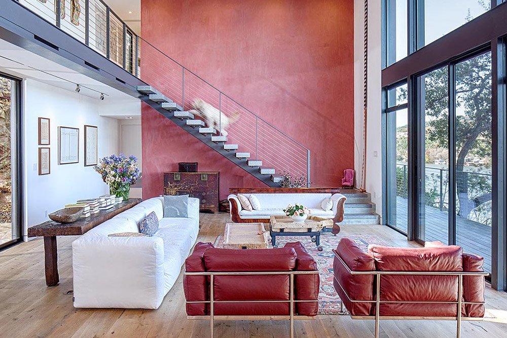 Create an accent wall to add color when decorating the living room