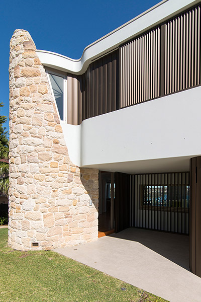 Contemporary architecture at its best : renovated Australian home by Luigi Rosselli Architects