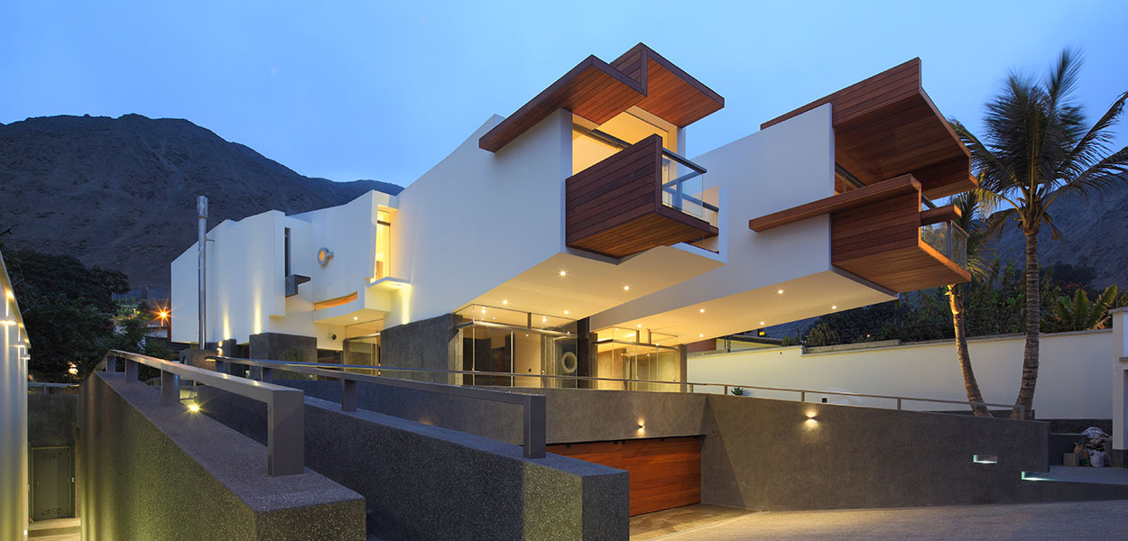 Contemporary architecture at its best: Casa Para Siempre - Breathtaking house in Peru by Longhi Architects
