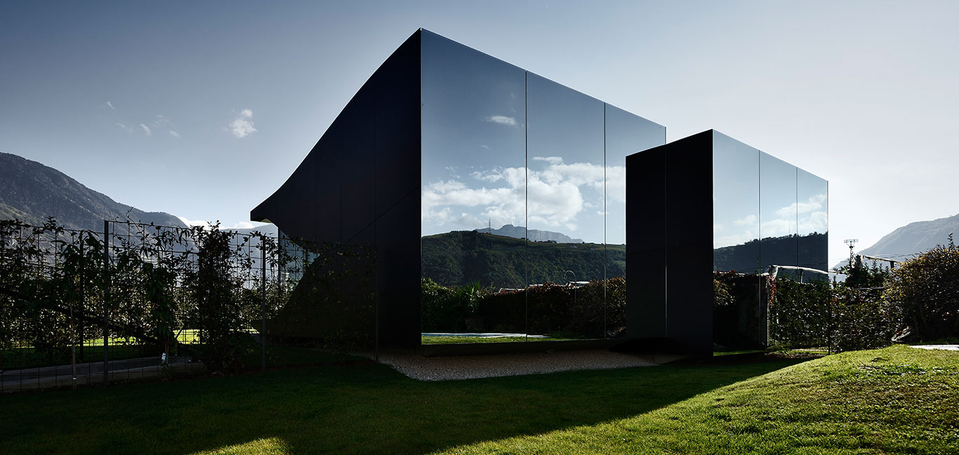 Mirror Houses - most striking vacation homes that you can book today - Bolzano, Italy