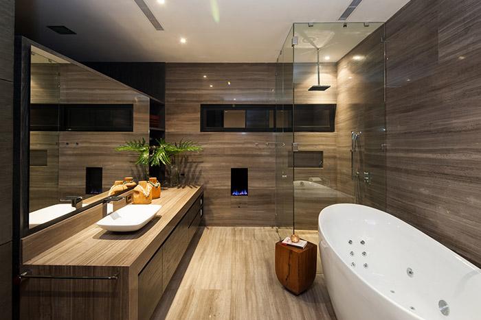Contemporary bathroom in striking contemporary home in Monterrey, Mexico by GLR arquitectos