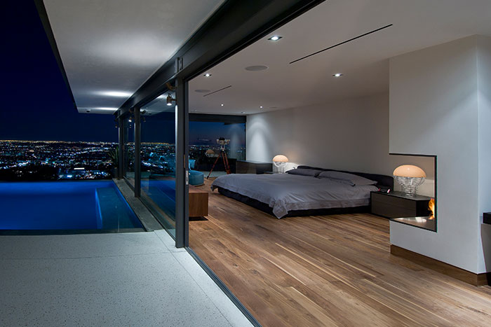 Contemporary bedroom design californian home