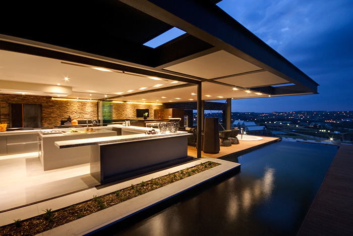 Contemporary mansion with magnificent city views - House Boz by Nico van der Meulen Architects