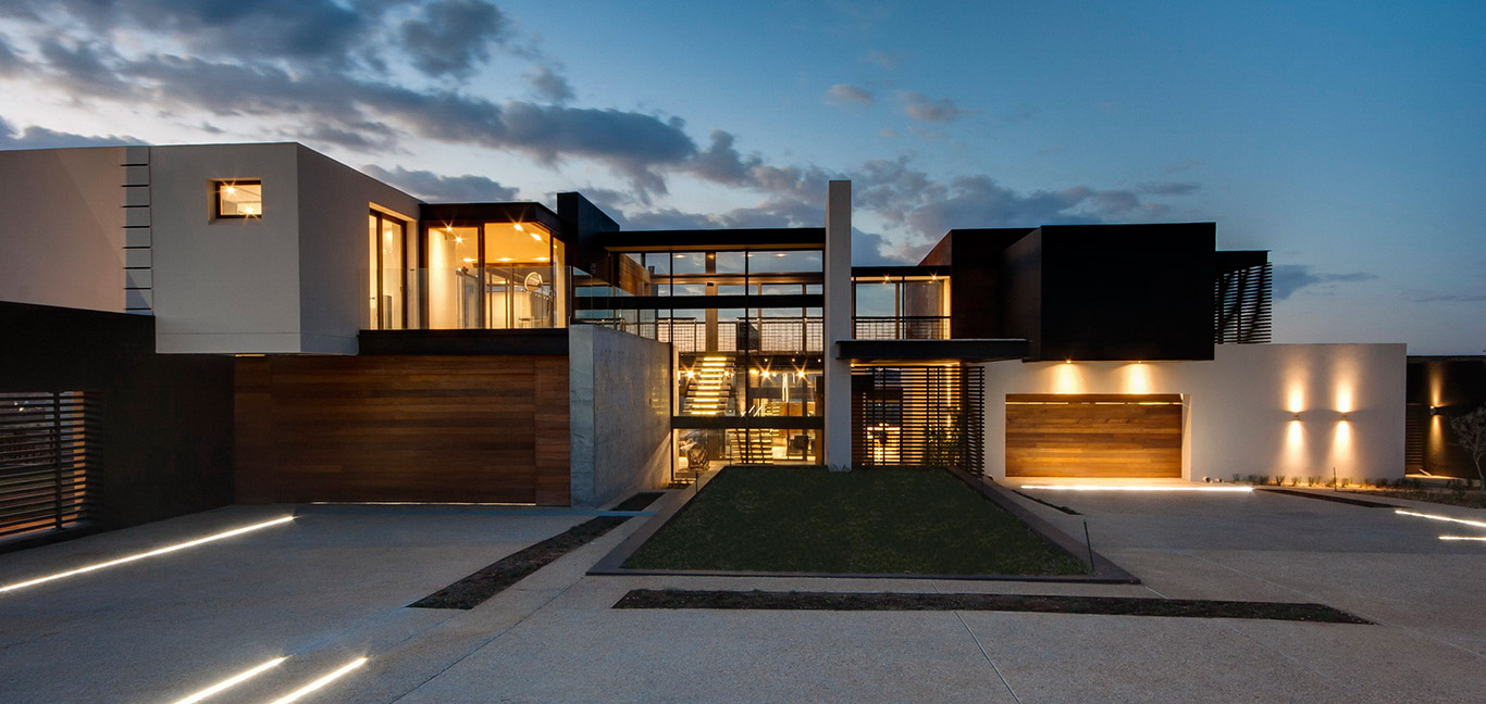 Contemporary exterior of a luxurious mansion in South Africa - House Boz by Nico van der Meulen Architects