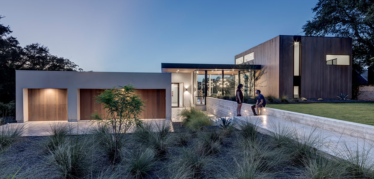 Dazzling house in Austin, Texas lets the family enjoy an indoor-outdoor lifestyle - [Bracketed Space] House by Matt Fajkus Architecture