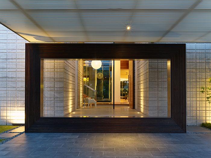 Entrance to contemporary beach house in Sentosa Cove , Singapore