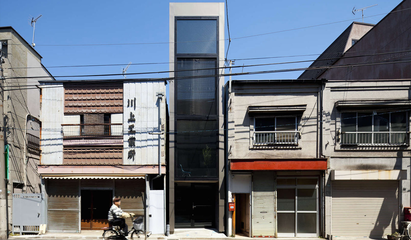 Compact living: extremely narrow house in Tokyo, Japan divided into several floor levels with minimalist interior by YUUA Architects
