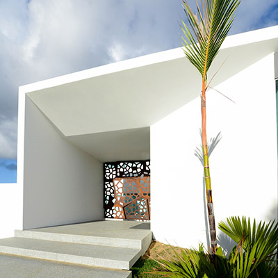 Gardenia 1691 by Díaz Paunetto Arquitectos entrance - award-winning renovation and expansion project