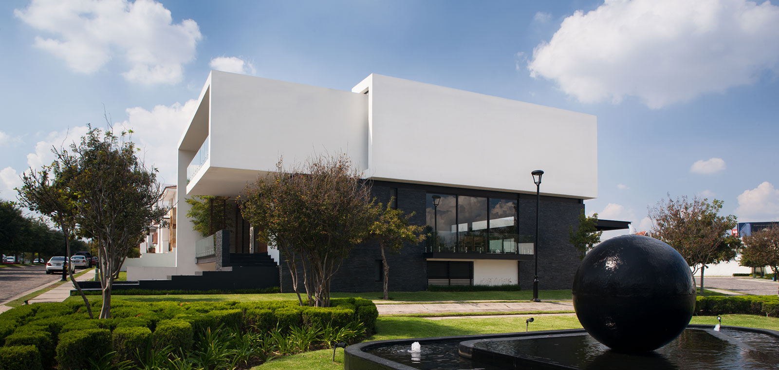 GM House Mexico by GRL Arquitectos great mix of form and function