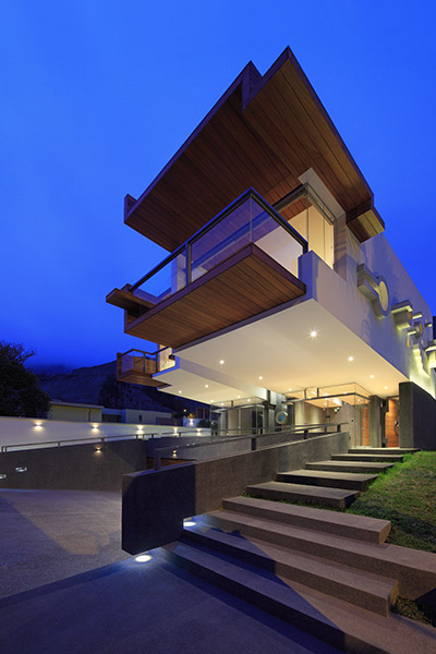 House Forever: Breathtaking house in Peru by Longhi Architects