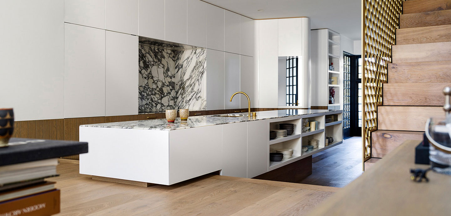 Contemporary kitchen design in stylish terraced house in Sydney - designed by Luigi Rosselli Architects