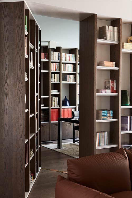 Library in an Australian home designed by Luigi Rosselli Architects