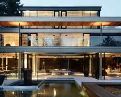 Relaxing and private: Luxurious villa in Vienna by Architekt Zoran Bodrozic