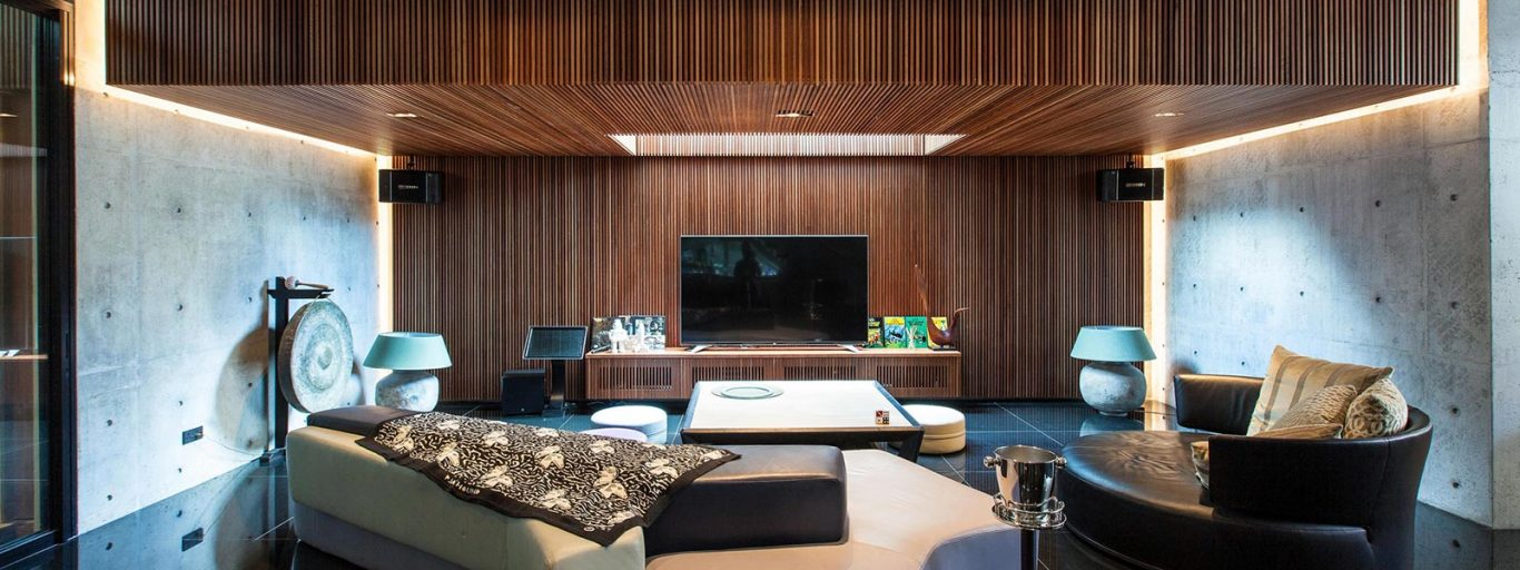 Luxury house in East Singapore impresses through its seductive simplicity
