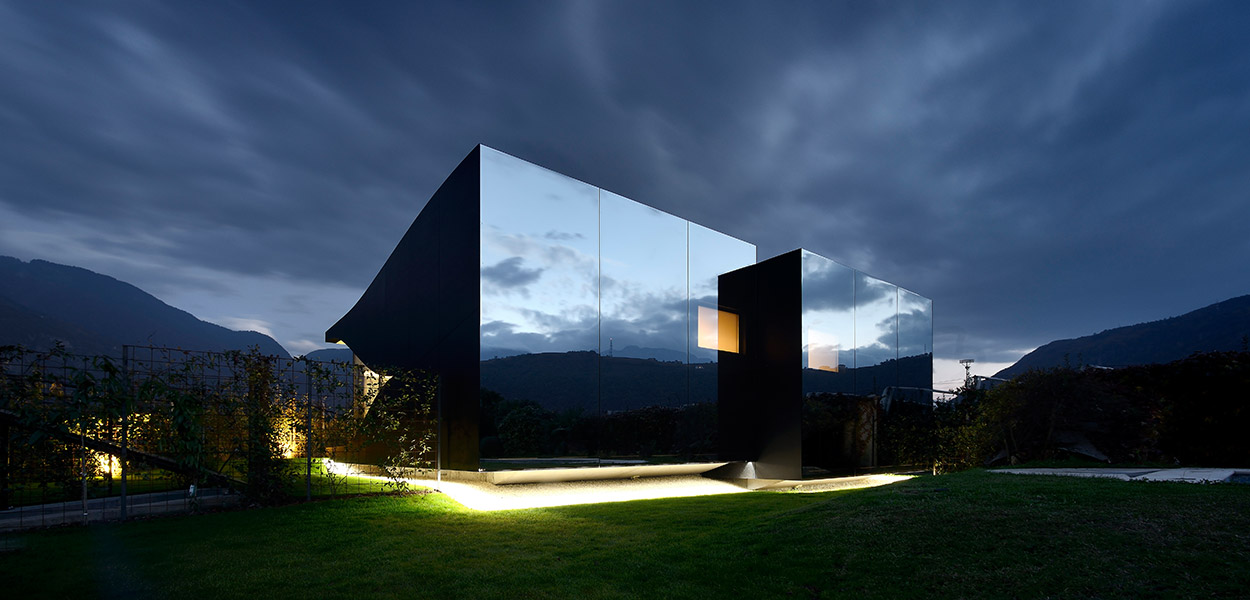 Mirror Houses - best vacation homes in Italy designed by Peter Pichler Architecture