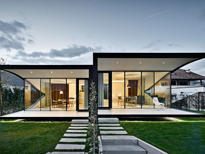 Contemporary Mirror Houses by Peter Pichler Architecture