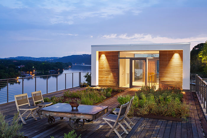 Modern cliff dwelling near Lake Austin, Texas, USA