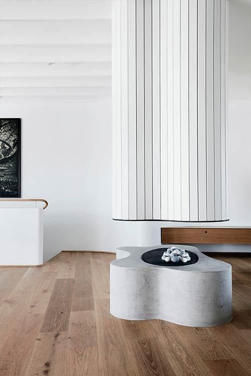 Tama's Tee Home by Luigi Rosselli Architects located in Tamarama, Sydney, Australia - modern fireplace
