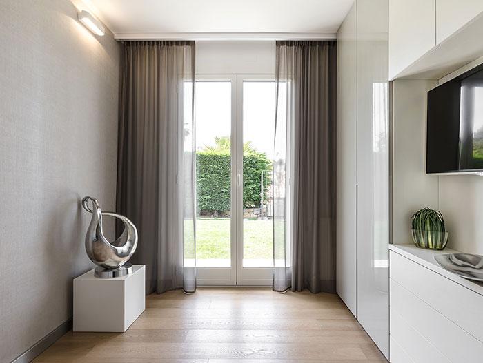 Modern interior design by NG-Studio in harmonious and comfortable villa in Bordighera, Italy