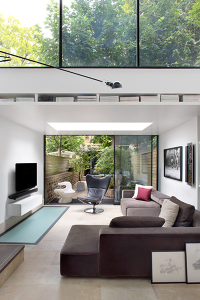 Battersea Church Road by extrArchitecture: Modern living room design idea in a remodeled house in London