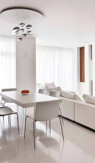 Modern Moscow apartment with all white interior by Alexandra Fedorova
