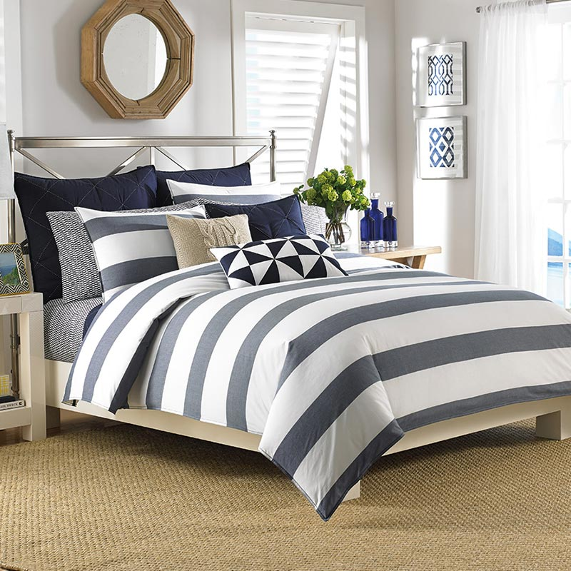 Modern striped bedding set Nautica