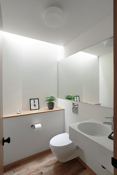 Modern white bathroom design remodeled Seattle, USA residence for a modern family lifestyle
