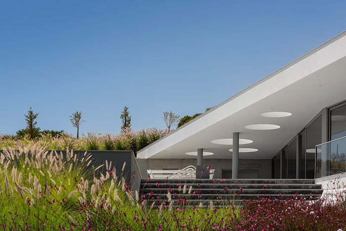 Modern Zauia House by Mario Martins Atelier; great example of Portuguese architecture