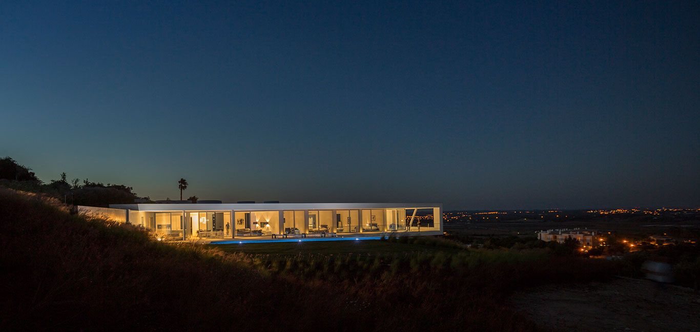 Modern Zauia House by Mario Martins Atelier overlooks Lagos Bay in Portugal
