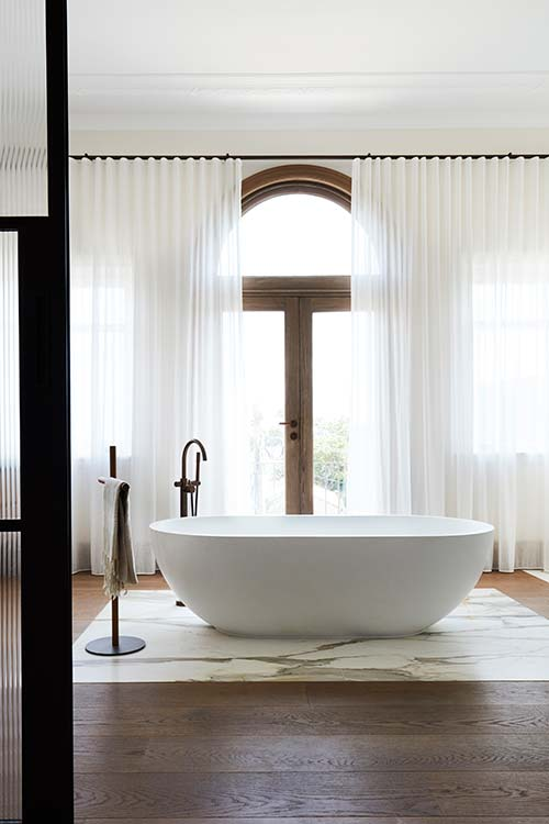 Peppertree Villa by Luigi Rosselli Architects located in Bellevue Hill, Sydney, Australia - master bathroom design idea